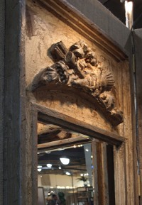 European Reflections offers hand-crafted mirrors painted in an Old French Technique.